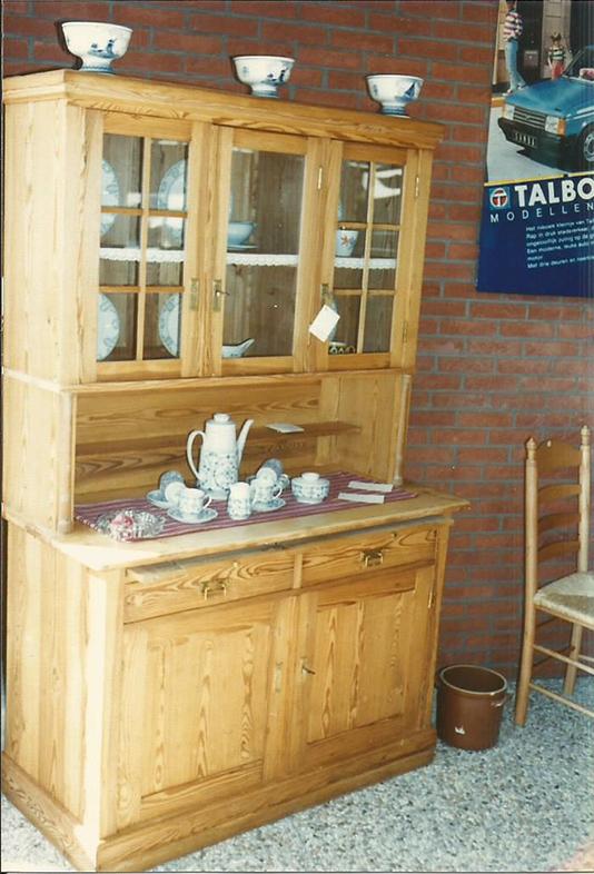Grenen antieke meubelen piet lanting antiek en interieur for De beukenhof antiek en interieur
